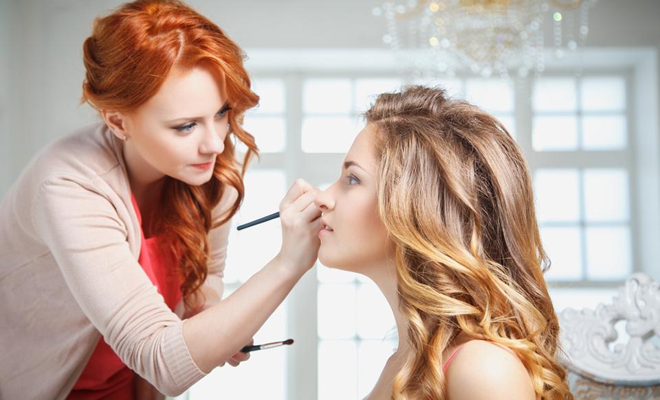 4 Lucruri Pe Care Trebuie Sa Le Cauti La Un Make Up Artist Pentru